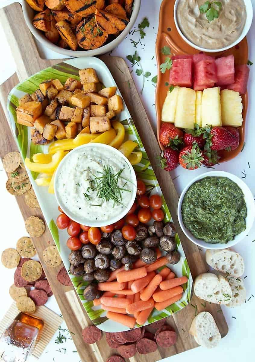 Fruit and vegetable appetizer platter
