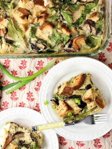 Spinach potato mushroom breakfast casserole